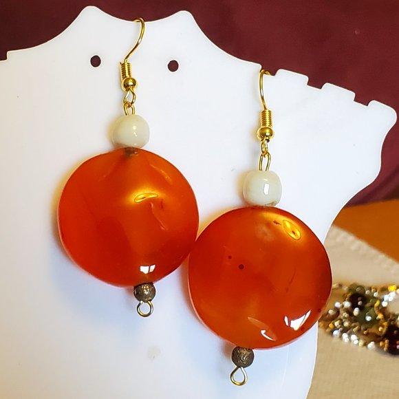 """1.5"""" Gold Tone Hook Orange Agate Disc Earrings NWT"""